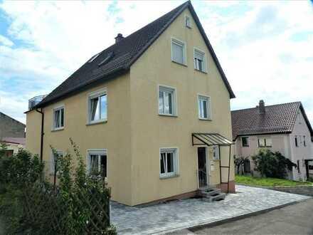 Charmante, neu renovierte 3-Zimmer-EG-Wohnung inkl. Garage in Mundelsheim!