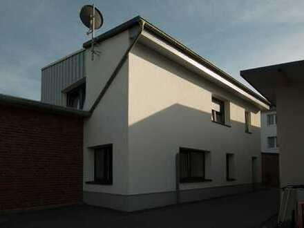 Gepflegtes Einfamilienhaus in ruhiger Lage von Brachelen