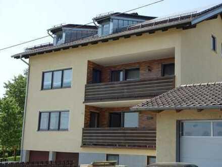 Sehr schöne 3-Zim. Wohnung mit Balkon und Doppelgarage und 1-Zim Büro mit WC