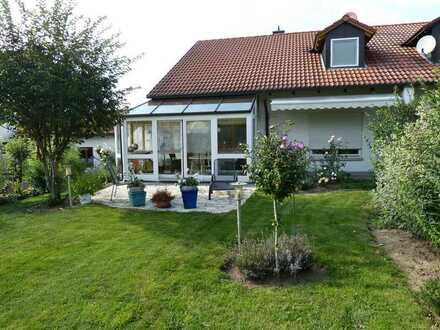 Gepflegte Doppelhaushälfte mit schönem Garten in Stammham
