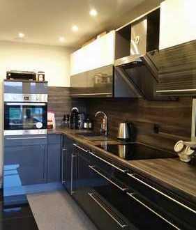 Modernisierte 4,5-Zimmer-Wohnung mit Balkon und Einbauküche in Reutlingen (Voller Brunnen)