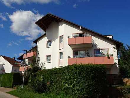 VHB ! Sofort freie DG Wohnung mit Balkon, Garage, Gäste-Wc und gutem Zuschnitt - ruhige Seitenstraße