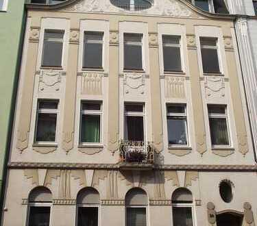 Provisionsfrei: Charmante Altbauwohnung mit Balkon in Top Lage!