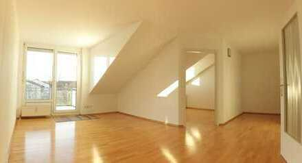 KLICK MICH!!! Beste Lage - IN-WEST - Schöne 2 ZKB Dachgeschosswohnung