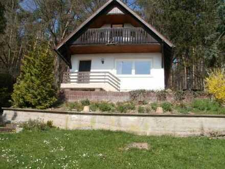 Massives Ferien-/Wohnhaus mit Garage und Stellplatz in wunderschöner Südhanglage-Achtung neuer Preis