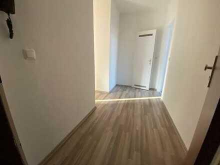 Ihr neues Zuhause! Frisch modernisiert und zum fairen Preis...