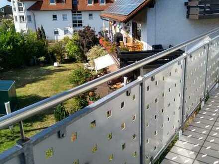 Gepflegte 3-Zimmer-Dachgeschosswohnung mit Balkon und EBK in Trippstadt