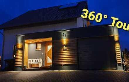 hochwertig ausgestattetes Einfamilienhaus ca. 180 qm Wohn- und Nutzfläche plus großer Garage