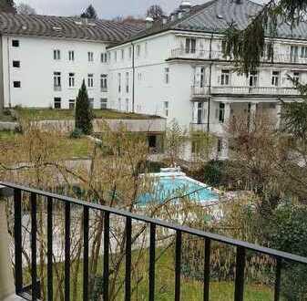 Am Kurpark, Nähe Trinkhalle, ruhige, großzügige 4-Zimmer Wohnung mit Balkon, TG - von privat -