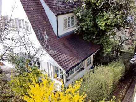Wunderschönes, freistehendes Einfamilienhaus mit Aussicht in bester Villenlage von S-Ost