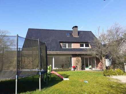 Exkl. EFH 470 qm bester Lage in Fockbek+ 60 qm Schwimmbad 1300 Grundstück
