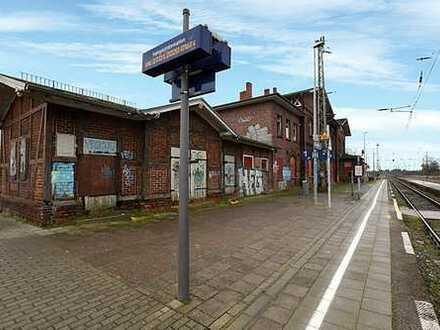 Bahnhofsgebäude - leerstehend