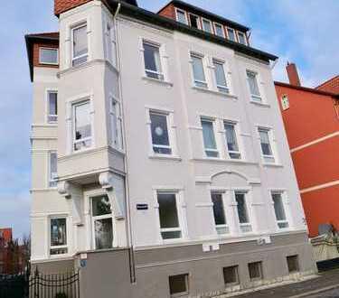 Gepflegte 4-Zimmer-Hochparterre-Wohnung mit Einbauküche in Hildesheim