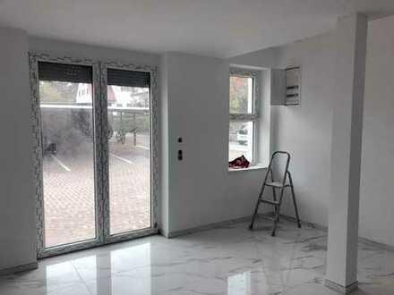 KA-Durlach! sehr charmante 3 -Zi-Wohnung mit großer Terrasse und 2 Garagen