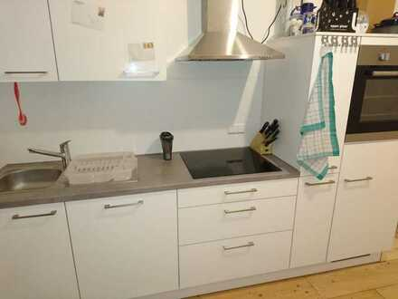 18qm Zimmer in netter 4er WG, zentral / 18sqm room in cool 3-person flat share, central
