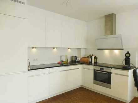 Moderne und geräumige 5,5 Zimmer-Wohnung auf zwei Ebenen in Lustnau