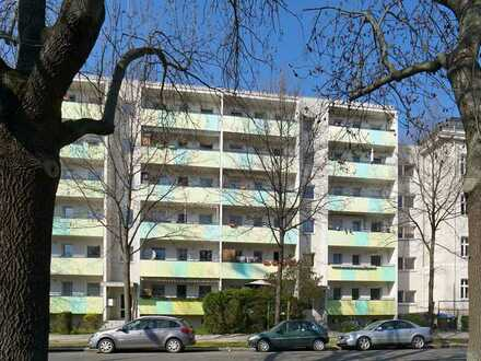 Südvorstadt: Balkon + Wanne