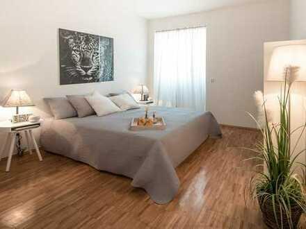 Positive Atmosphäre in heller 3,5-Raum-Wohnung mit 3 Bädern und Balkon auf der Sonnenseite