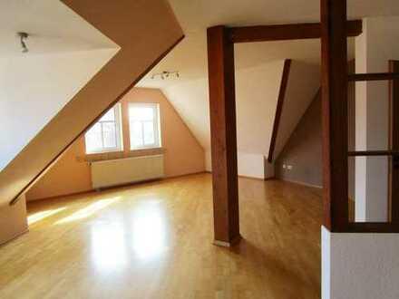 Trippstadt - Großzügige, helle Dachgeschosswohnung in Ortskernlage von Trippstadt