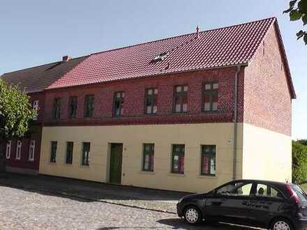 gemütliche 2-Zimmer-EG-Wohnung mit Terrasse, sehr ruhige Lage