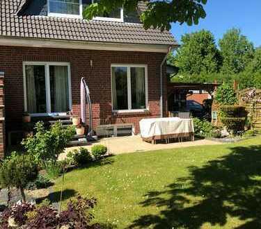 Großzügige Doppelhaushälfte mit Garage und Garten in ruhiger Lage!