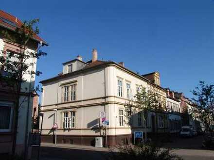 Elegante, modernisierte 4-Zimmer-Wohnung zur Miete in Kaiserslautern