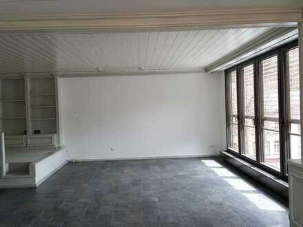 Gepflegte 5-Zimmer-Wohnung mit Einbauküche und großer Terasse in Pforzheim - Dillweißenstein