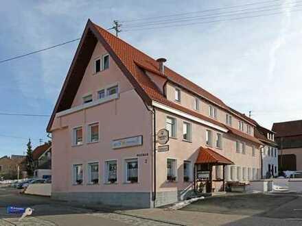 Voll ausgestattetes Restaurant und Gästehaus