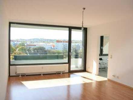 Helle, großzügige 3-Zimmer-Wohnung mit 2 Balkons