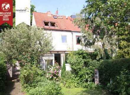 Soldies Reiheneckhaus mit künstlerischen Gartenparadies in Halle-Frohe-Zukunft!