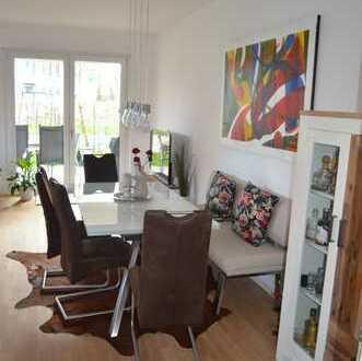 Neuwertige, lichtdurchflutete 4-Zimmer-EG-Wohnung mit Terrasse, Garten und EBK in Köln-Bayenthal