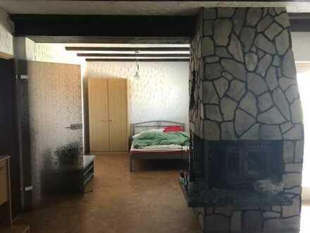 Schöne, geräumige 2 Zimmer Wohnung