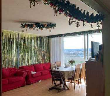 Günstige 4-Zimmer-Wohnung mit Balkon und EBK in Dietzenbach