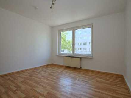 Im Zentrum von Bochum- Wattenscheid! Frisch gestrichene 3 Zimmerwohnung mit ca. 58 m² Wfl.