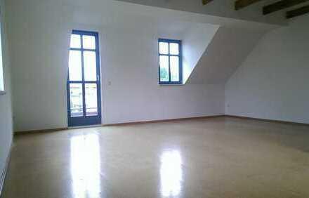 2 Zimmer Dachgeschoss mit Balkon und EBK