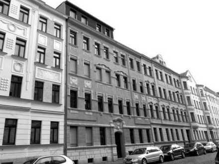5 große Zimmer, Balkon, 15 m² große Küche, 2 Tageslichtbäder mit Wanne, WG-geeignet