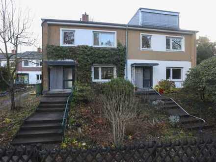 Top-modernisierte, helle und funktionale Doppelhaushälfte im grünen Nikolassee