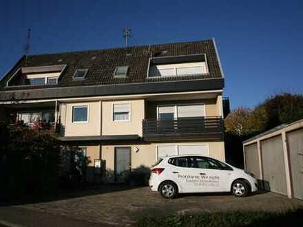 Doppelhaushälfte mit 3 Wohnungen für Mehrgenerationen oder Gewerbe in Aussichtslage