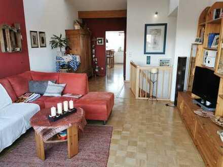 Gepflegte 2-Zimmer-Maisonette-Wohnung mit 2 Dachterrassen und Einbauküche in Potsdam