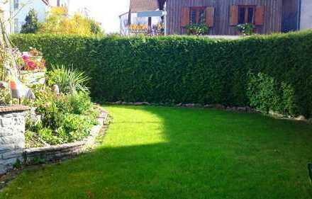 Charmante Haushälfte mit eigenem Garten, stadtnahe Lage, ideal für 2-3 Personen und München-Pendler
