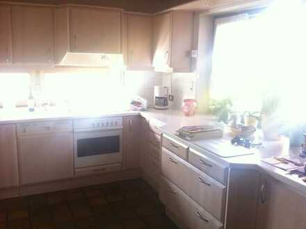 * Einfamilienhaus mit Blick über Lappersdorf + Einliegerwohnung *