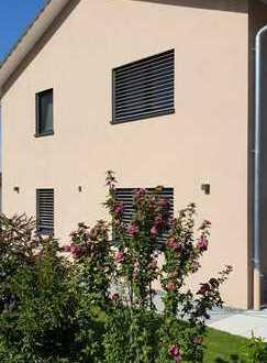 Neuwertiges Einfamilienhaus mit fünf Zimmern und EBK in Renchen, Rechnen