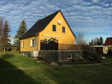 Herrliches Haus in ruhiger Lage mit großem Grundstück und Nebegelass in der Uckermark