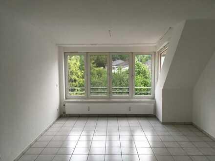 Erstbezug nach Renovierung - Dachgeschosswohnung in ruhiger Lage in Dortmund Benninghofen