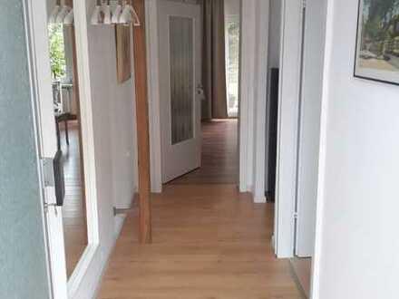 Stilvolle, voll möblierte sanierte 2-Zimmer-Wohnung mit Terrasse und Garten in Mörfelden-Walldorf