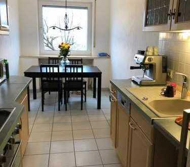 Gut geschnittene 3-Zimmer-Wohnung mit Garten in grüner Lage