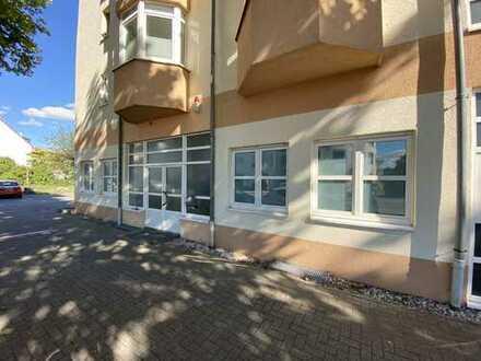 Gewerberaum - Wohngemeinschaft inkl. 6 Stellplätzen Büro / Praxis / Kauf