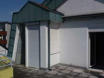 Schöne 2-Zimmer-DG-Wohnung mit Dachterrasse in Kehl