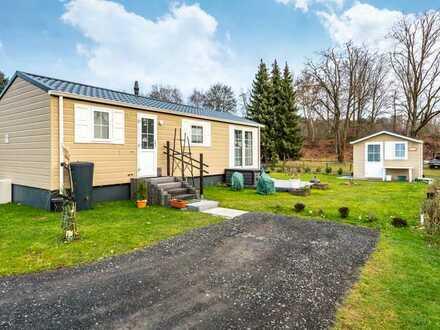 """Niederrodenbach: """"Freizeitpark"""" - Neuwertiges Mobilheim mit Gartenhaus auf einem Pachtgrundstück"""