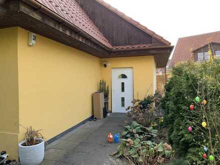 Schönes, geräumiges und gepflegtes Haus mit vier Zimmern in Hohen Neuendorf